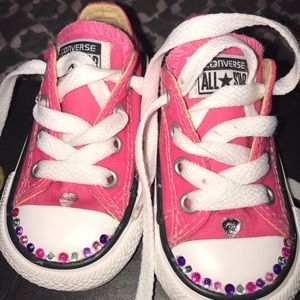 efe89ca4db5f Converse. Bedazzled pink size four like new